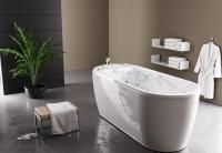 EVOLUTION bathtub with underwater shower-massage